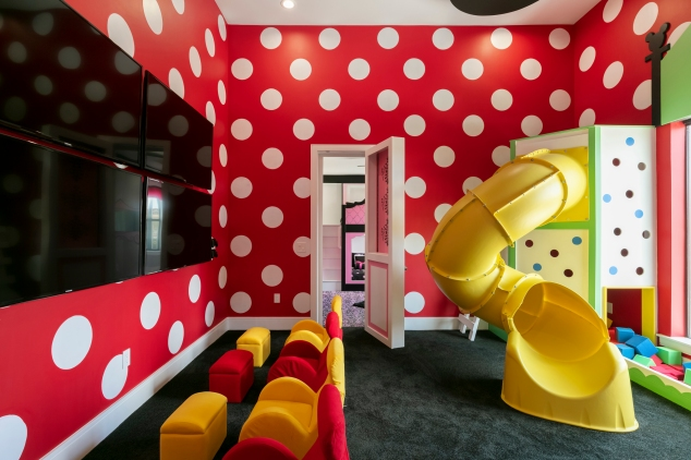 Magical Vacation Homes RVH_325 Mickey Secret Playroom