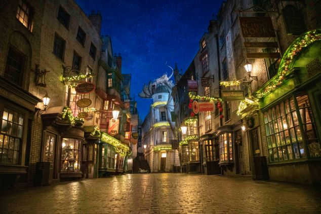 01_Diagon Alley.jpg